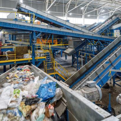 Účinnost dotřídění plastových odpadů na třídicích linkách k době COVIDU klesla, EKO-KOM pracuje na otočení trendu